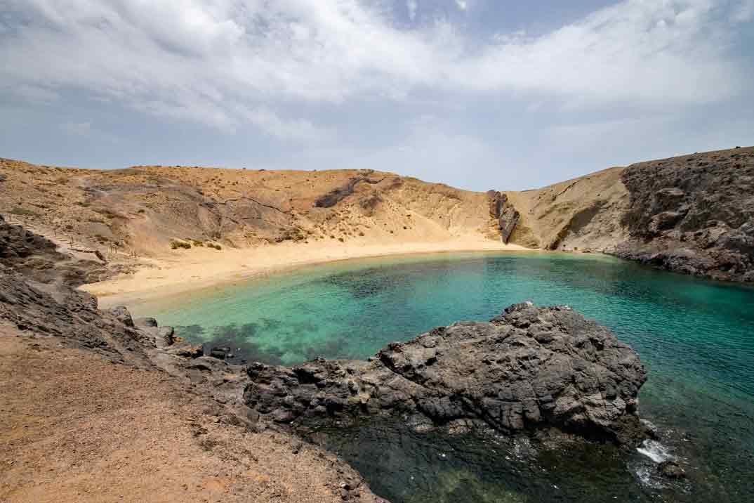 Lanzarote-playa-del-papagayo-