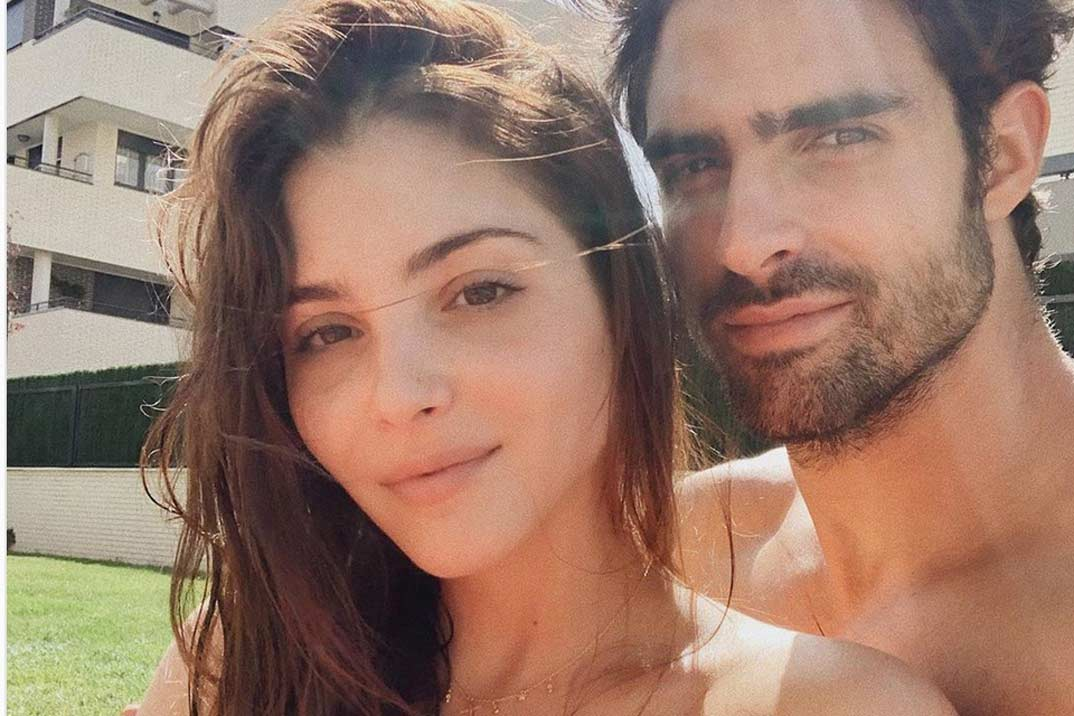 Andrea Duro y Juan Betancourt disfrutan de su primer verano juntos