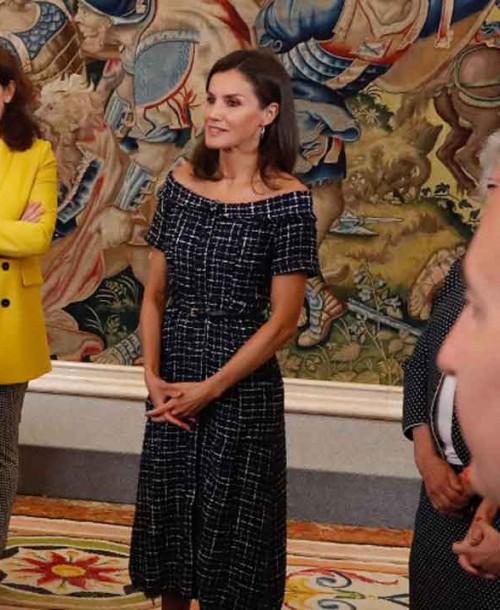 La reina Letizia estrena un vestido de Zara de menos de 20€