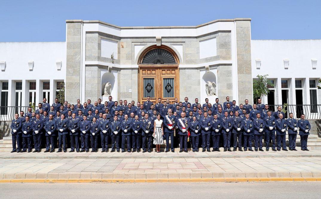 Reyes Felipe y Letizia - Entrega de Reales Despachos de Empleo en la Academia General del Aire © Casa S.M. El Rey