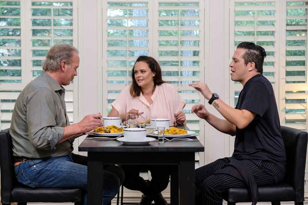 """Shaila Dúrcal con su marido Dorio y Bertín Osborne en """"Mi casa es la tuya"""" © MediasetShaila Dúrcal con su marido Dorio y Bertín Osborne en """"Mi casa es la tuya"""" © Mediaset"""