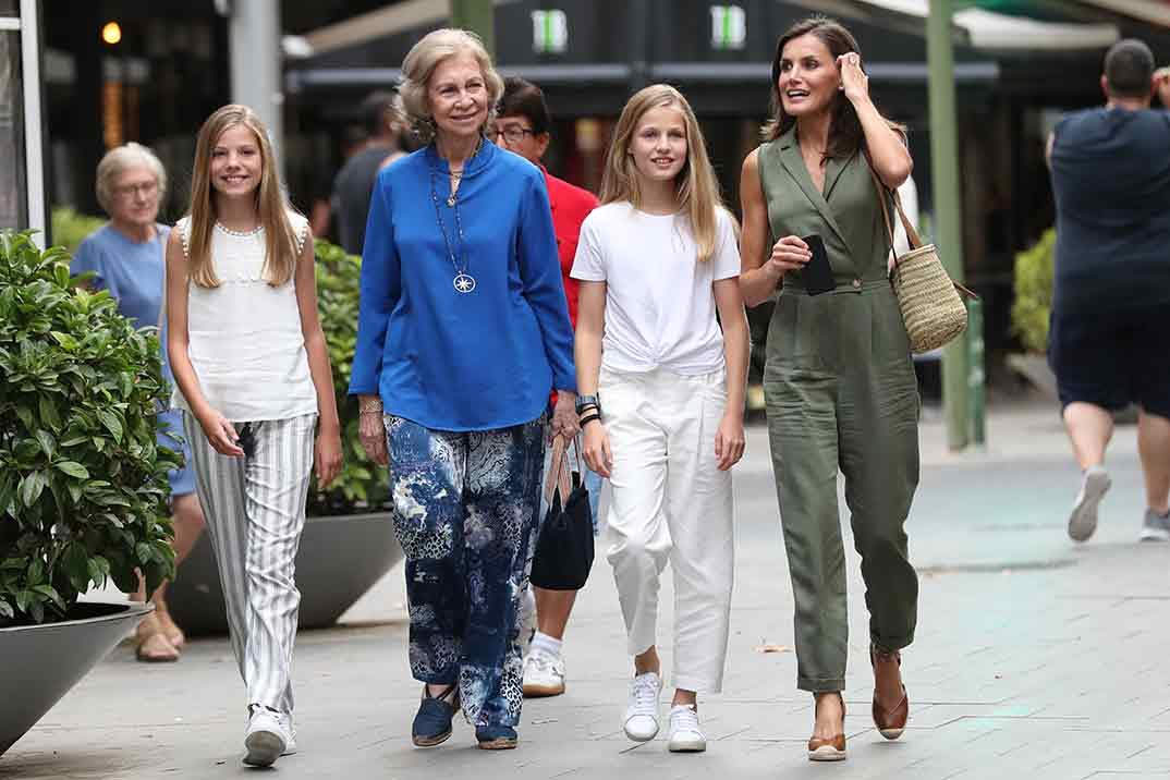 Reina Letizia, Reina Sofía, Infanta Sofía y Princesa Leonor en Palma de Mallorca