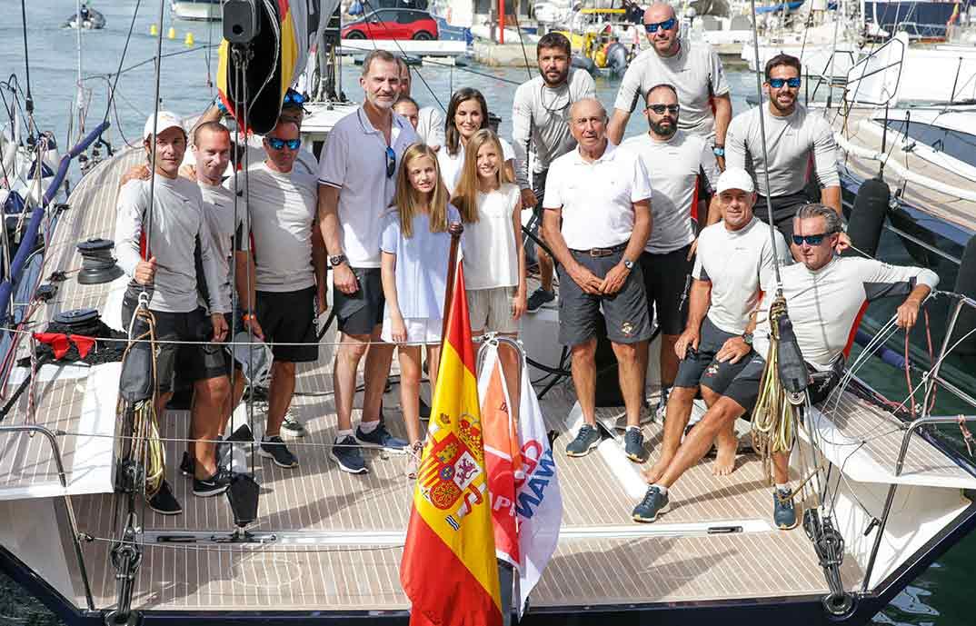 Reyes Felipe y Letizia con sus hijas en Palma de Mallorca