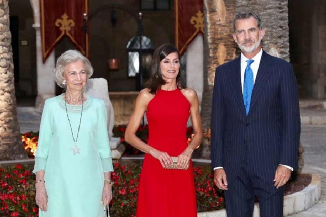 Los Reyes ofrecen una recepción a las autoridades de las Illes Ballears