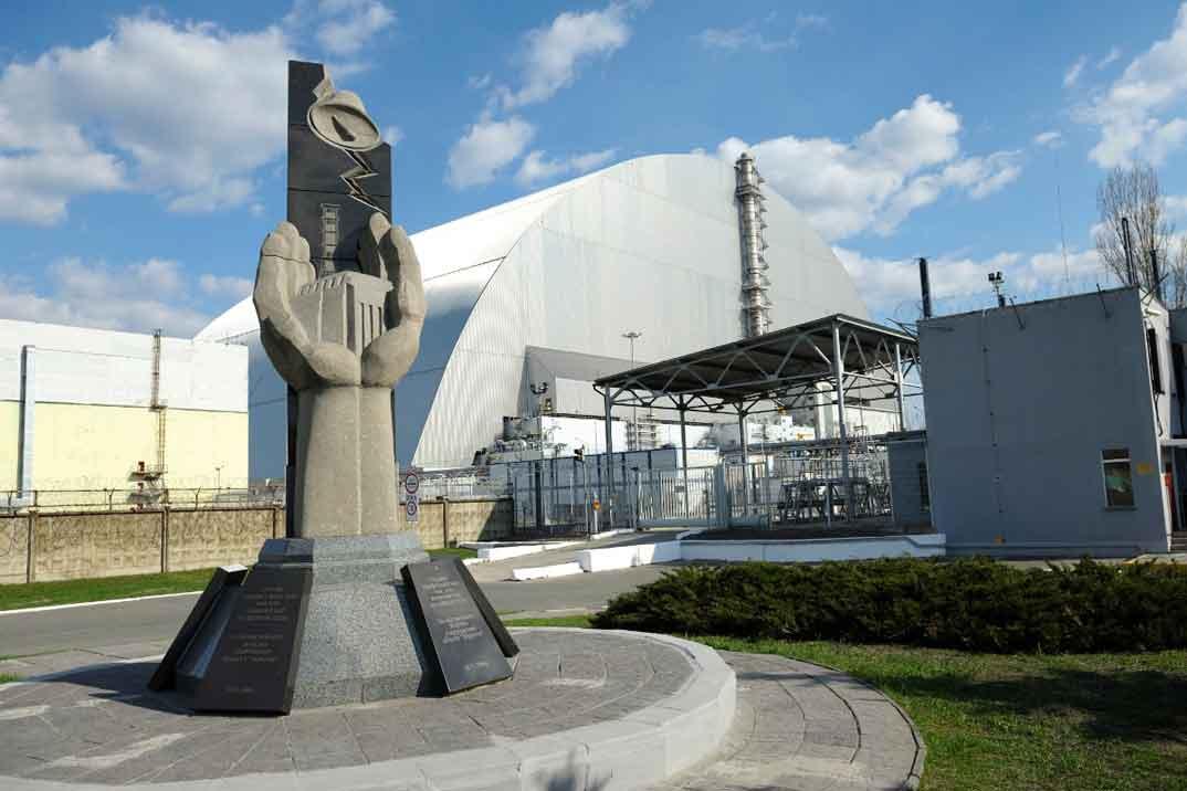 rincones-series-monumento-chernobil