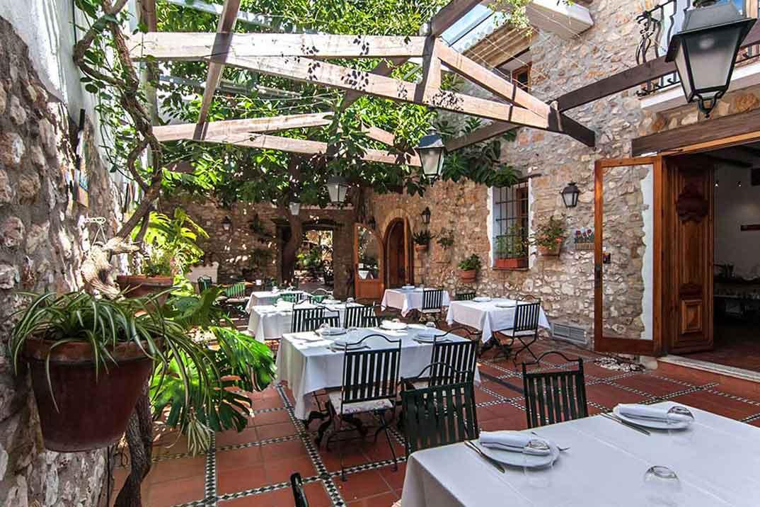 denia-la-senia-patio-2