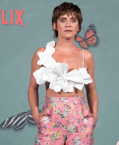 """María León se viste de flores en la presentación de """"La casa de las flores"""""""