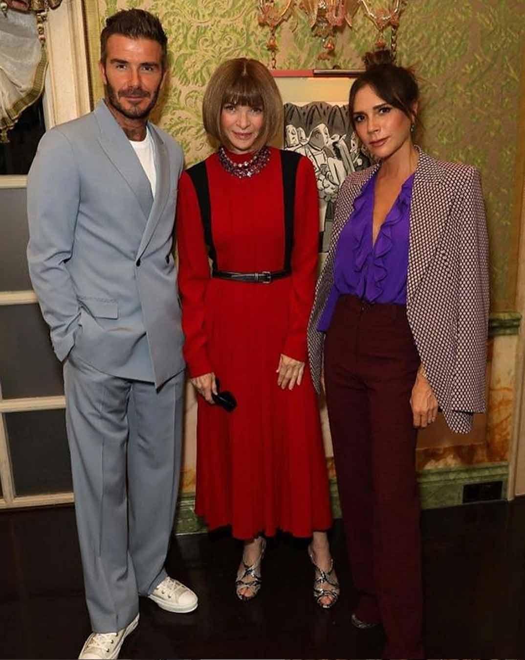 Victoria y David Beckham con Anna Wintour © Instagram