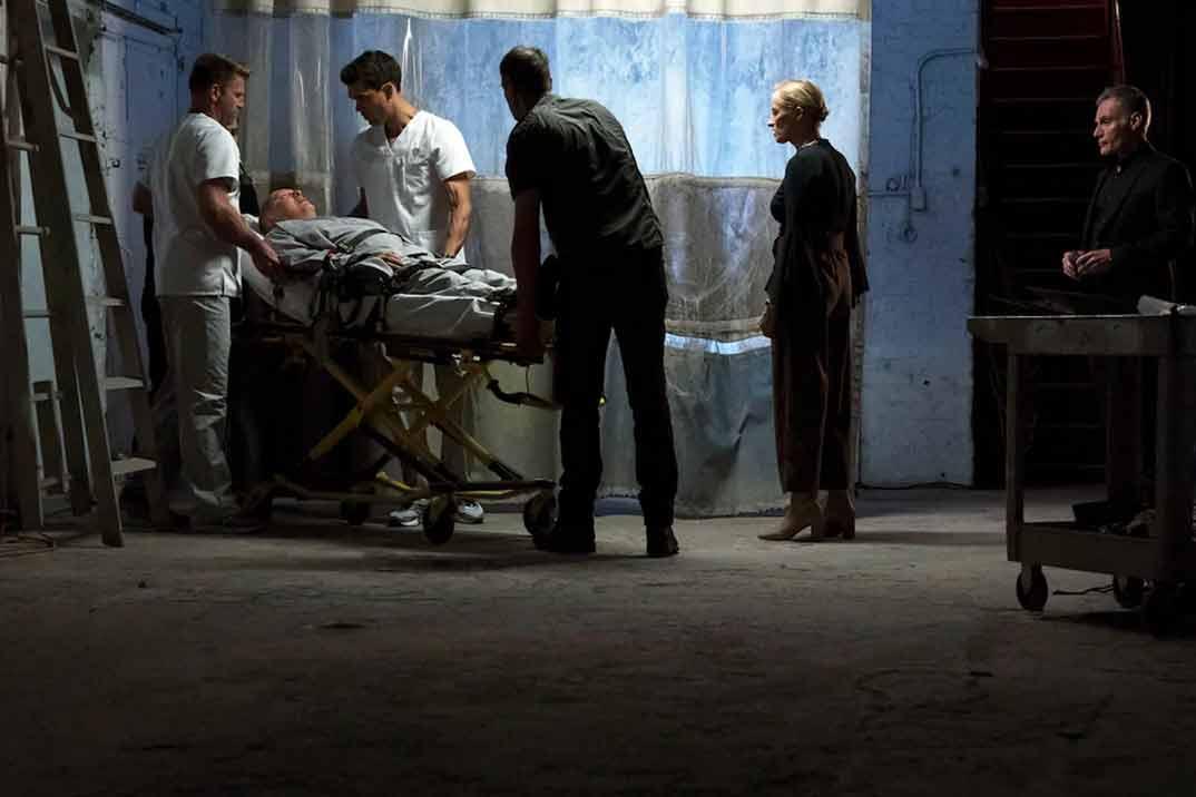 blacklist-7x01-reddington-cama