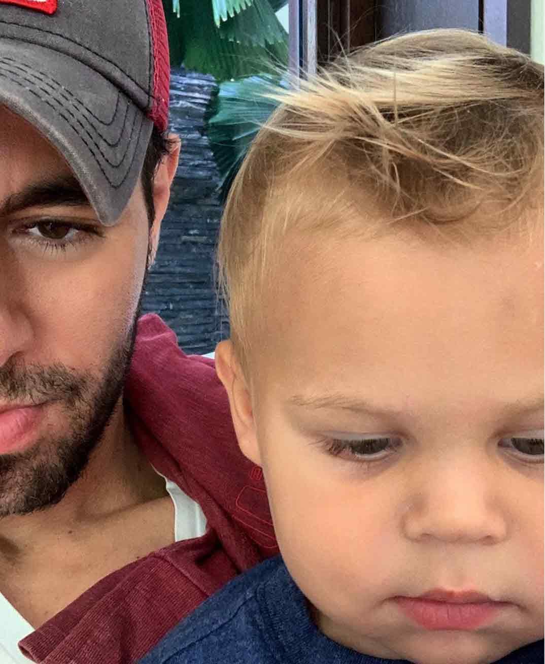 Enrique Iglesias con su hijo Nicholas © Instagram