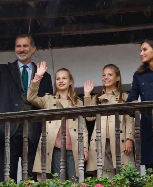 Así ha sido la visita de los Reyes y sus hijas a Asiegu, Premio Pueblo Ejemplar de Asturias