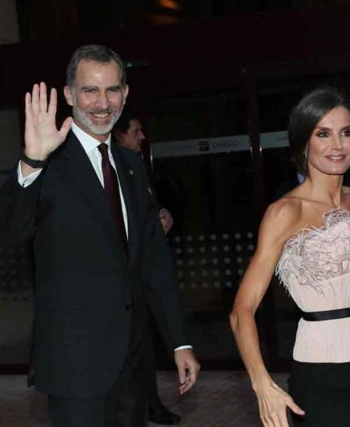 La reina Letizia estrena firma en su vestidor