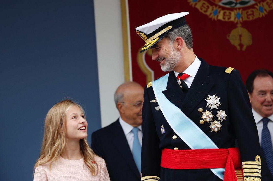 La princesa Leonor y el rey Felipe VI - Día de la Hispanidad © Casa S. M. El Rey