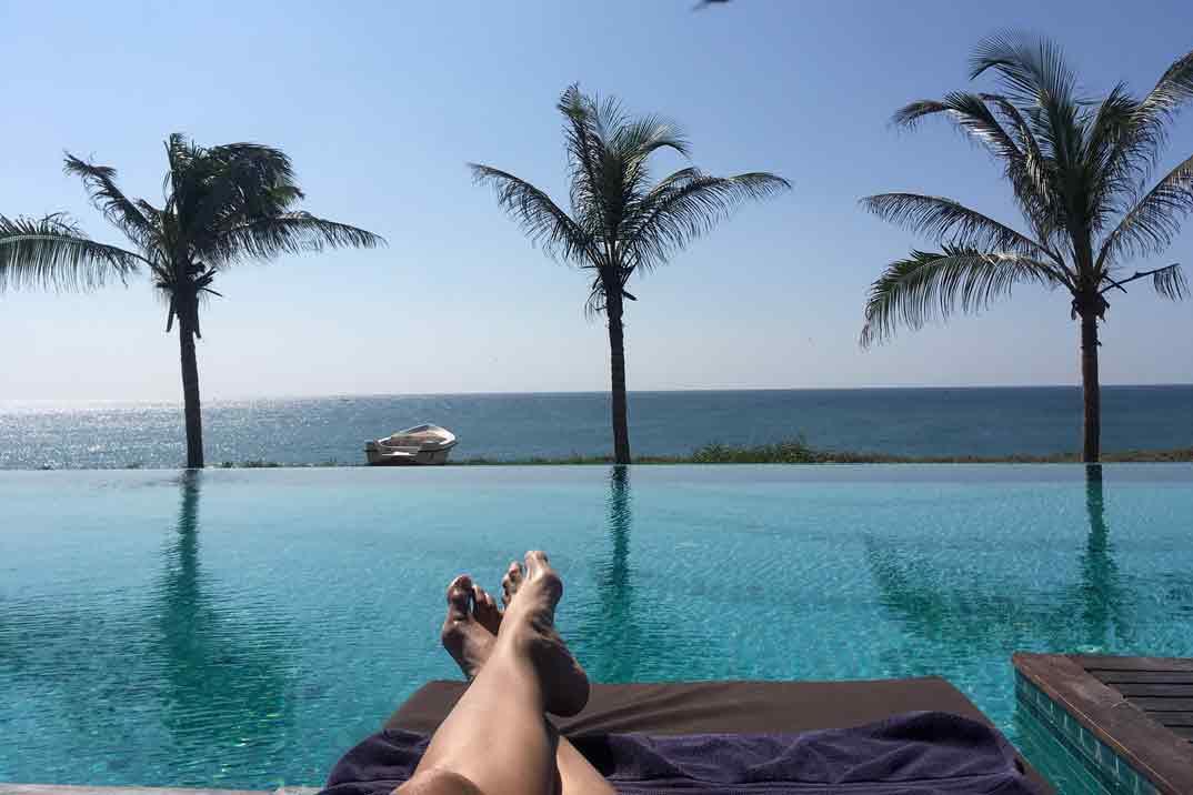 sri-lanka-piscina-hotel