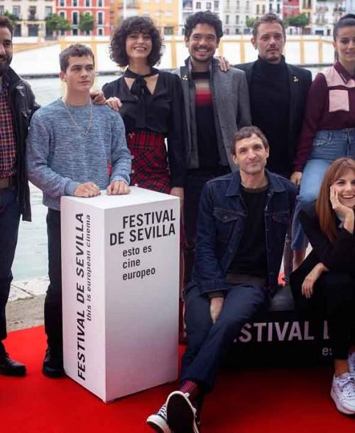 Así ha sido el estreno de la segunda temporada de «La Peste» en Sevilla