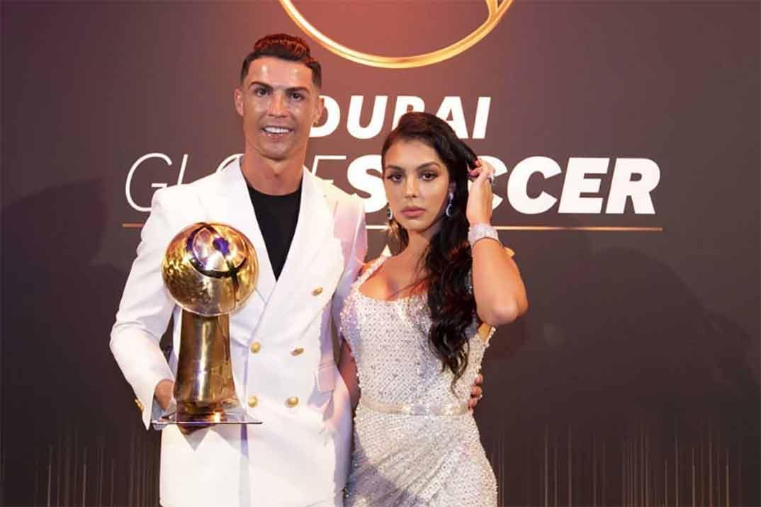 Cristiano Ronaldo despide el año recibiendo el premio al mejor jugador de la temporada