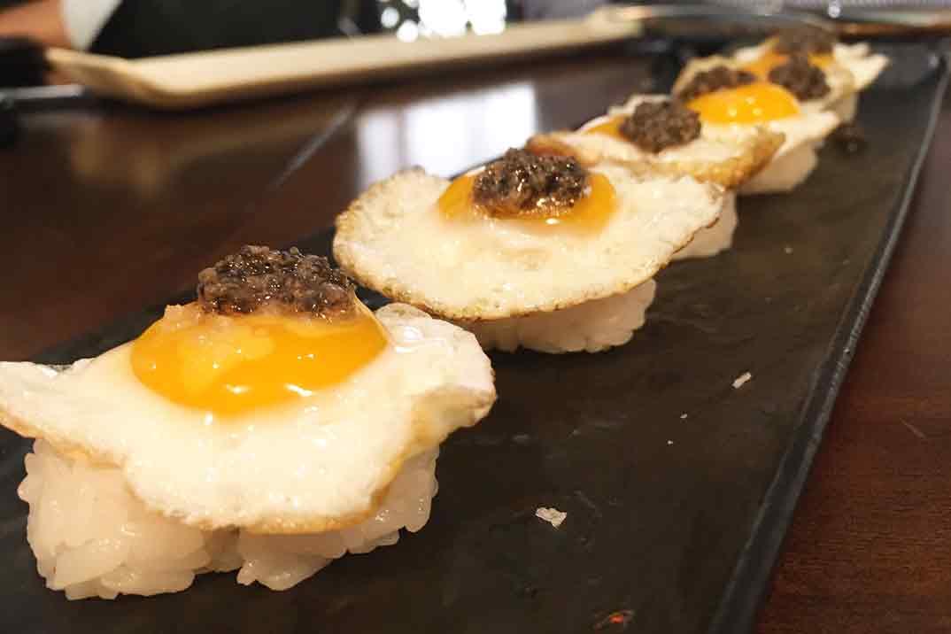 Nakama-niguiri-huevo