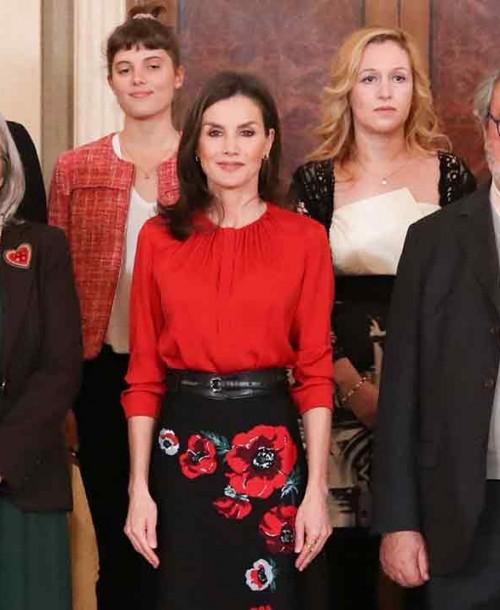 La reina Letizia se adelanta a la primavera con su último estilismo