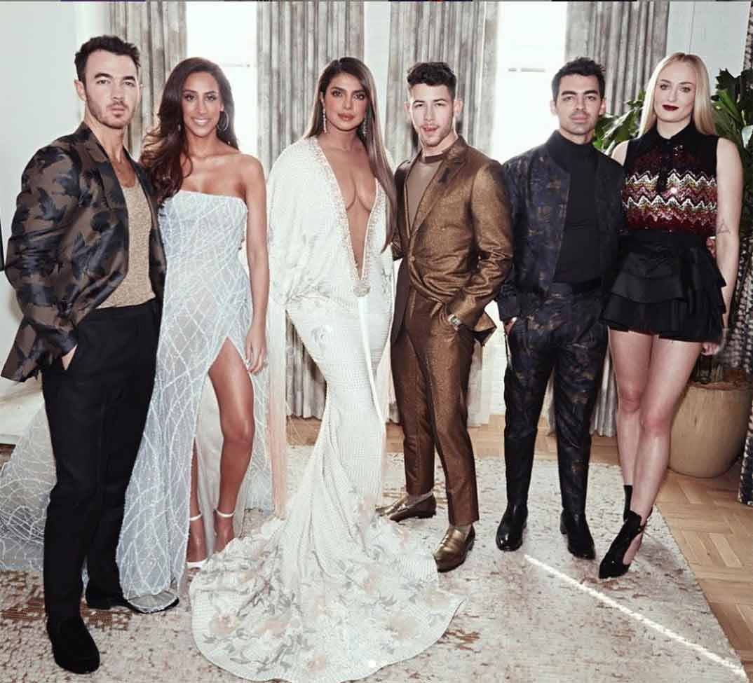 Kevin Jonas, Danielle Jonas, Priyanka Chopra, Nick Jonas, Joe Jonas, Sophie Turner © Instagram