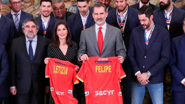 Los Reyes Felipe y Letizia recibieron a la Selección Nacional de Balonmano, campeona de Europa 2020 © Casa S.M. El Rey