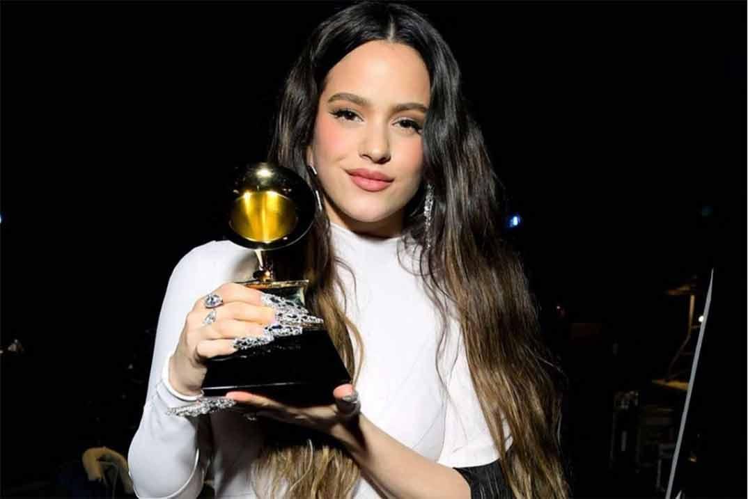 Rosalía vuelve a hacer historia en los Premios Grammy