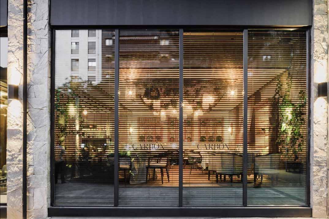 Restaurante Carbón Negro – Vuelta a los orígenes de la cocina