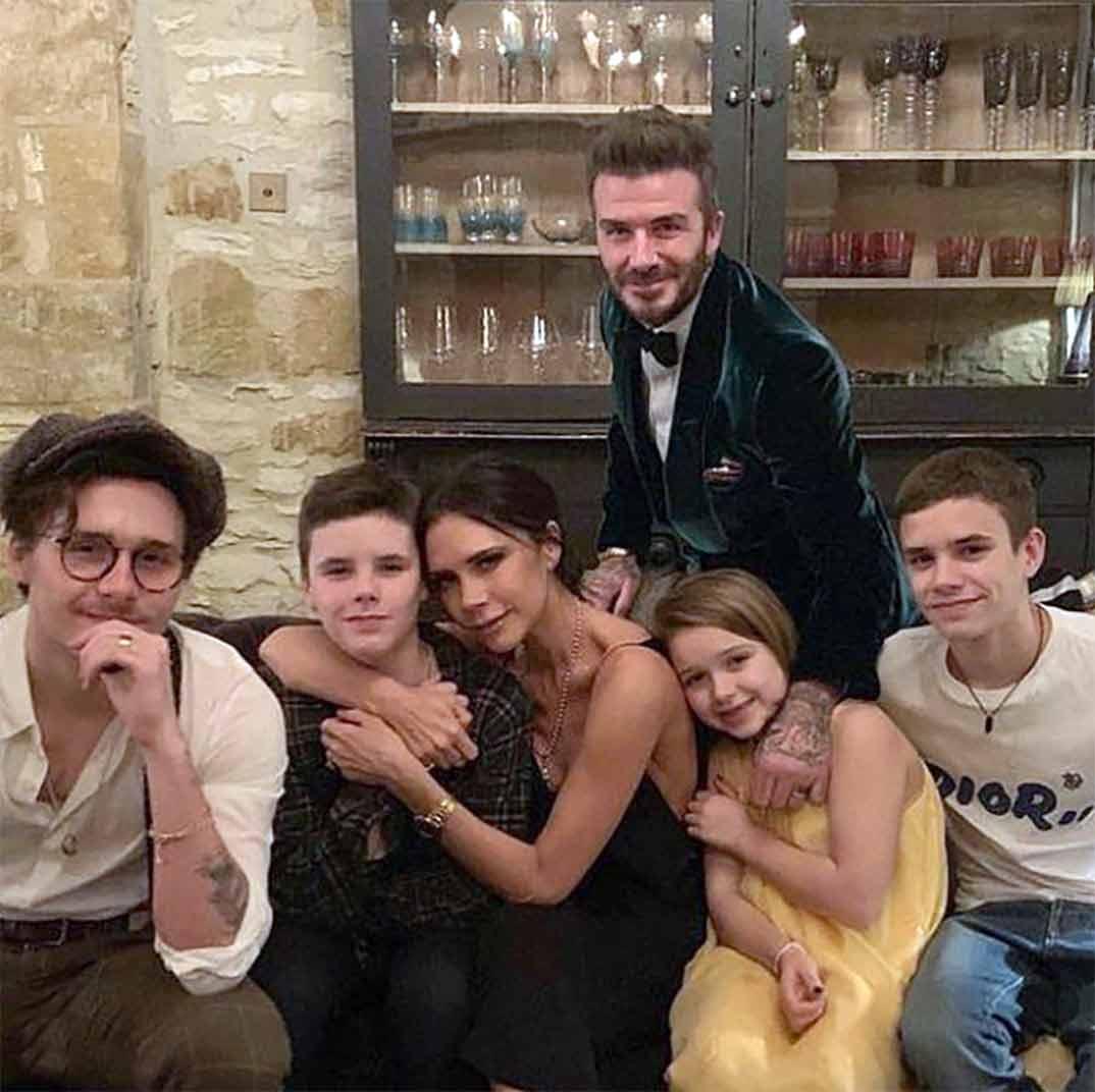 David y Victoria Beckham con sus hijos © Instagram