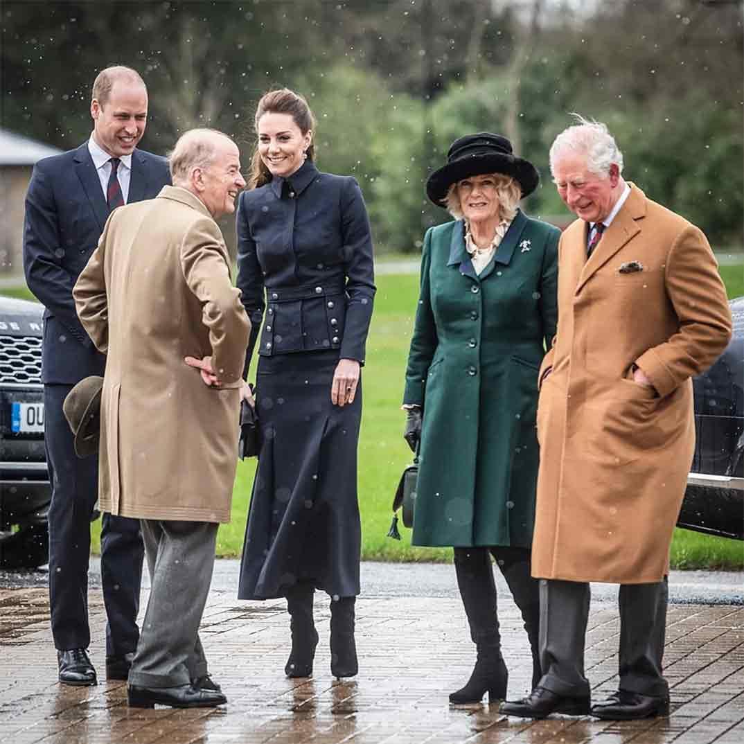 Los Duques de Cambridge con el Príncipe Carlos y Camila Parker Bowles © kesingtonroyal/Instagram