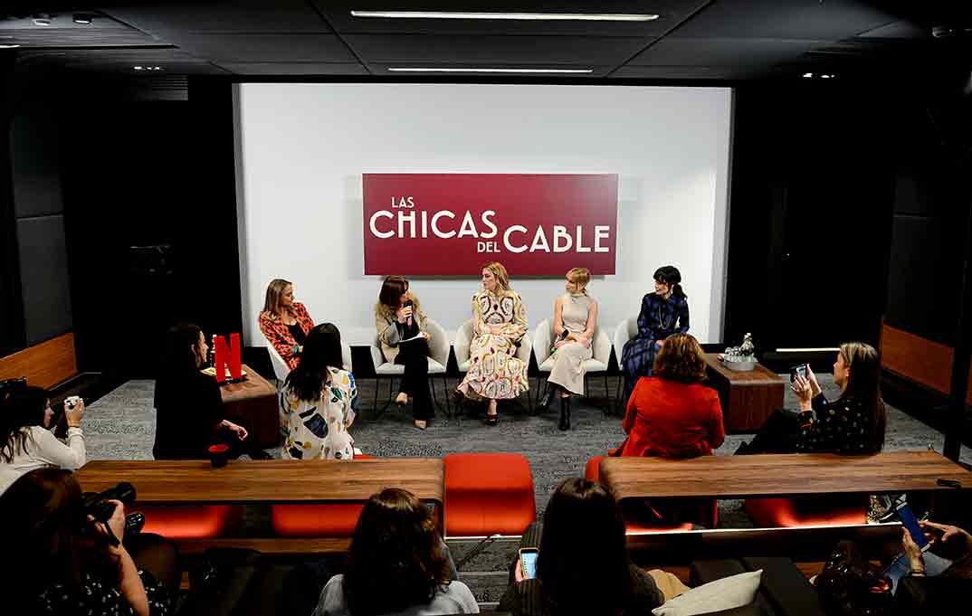 Ana Fernández, Blanca Suárez y Nadia de Santiago - Las chicas del cable © Netflix