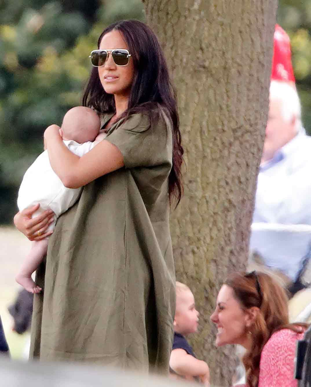 Meghan Markle con el pequeño Archie