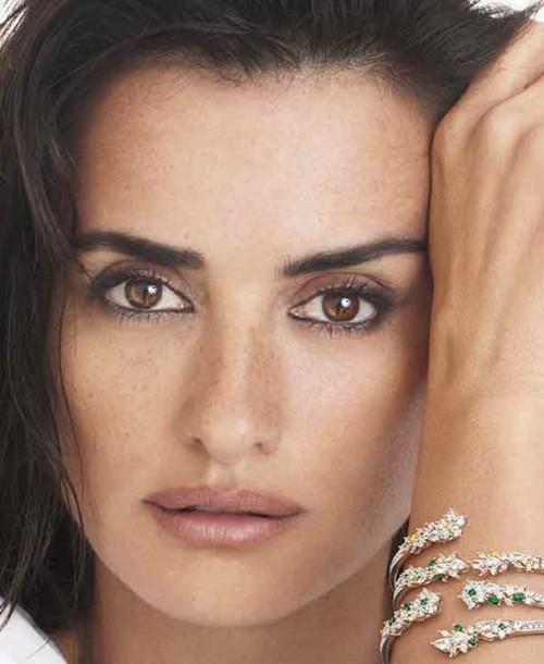 Así es la colección benéfica de joyas de Penélope Cruz para Swarovski