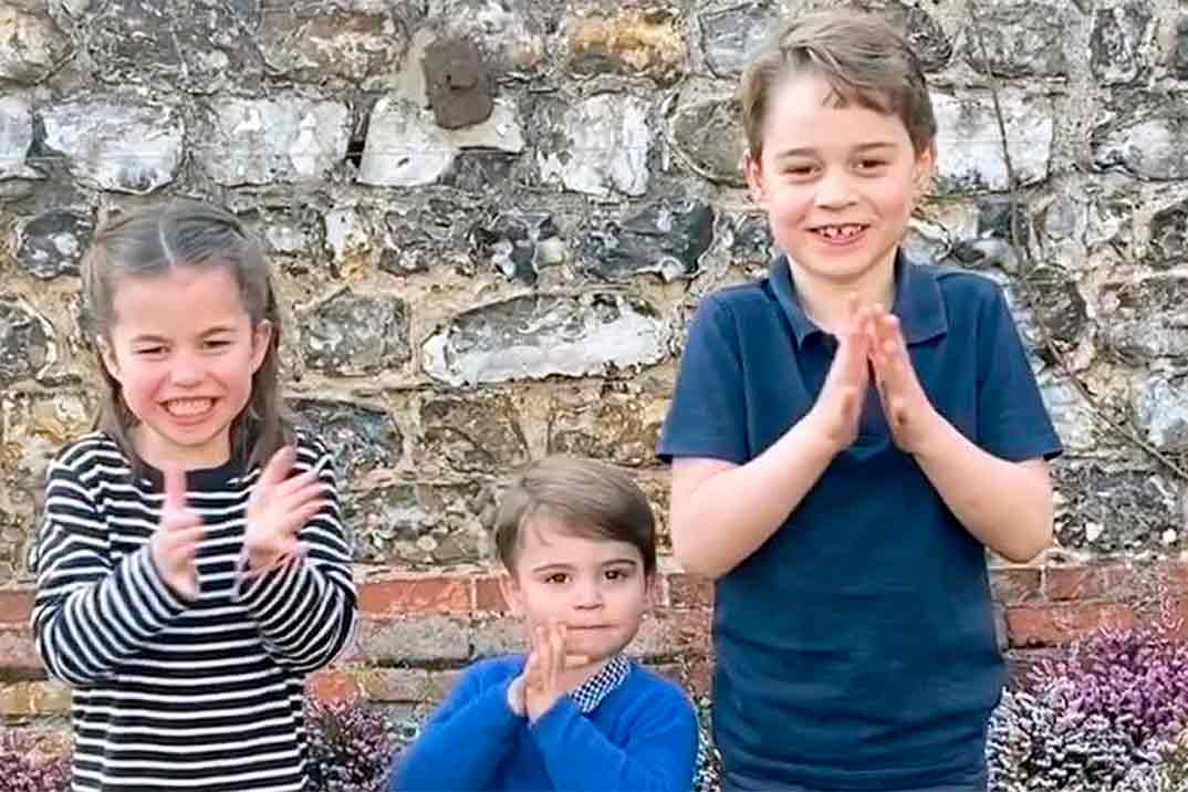 Los príncipes George, Charlotte y Louis de Cambridge se unen al aplauso solidario