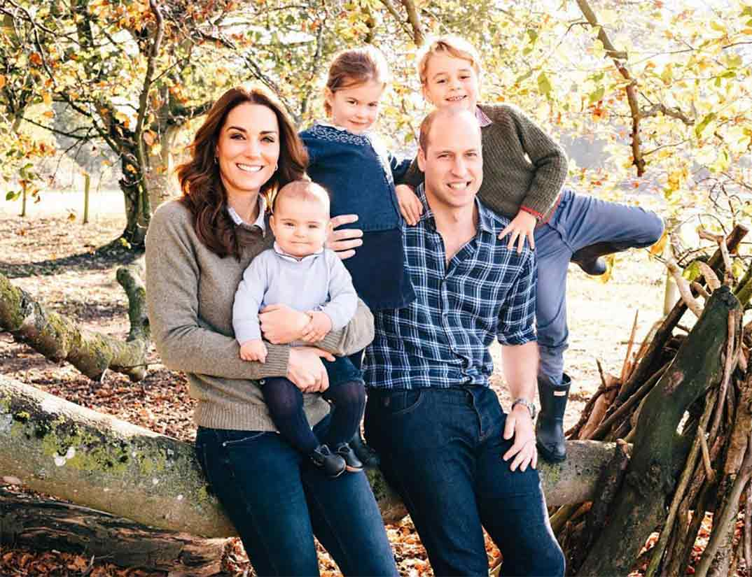 Duques de Canbridge con sus hijos © kesingtonroyal/Instagram