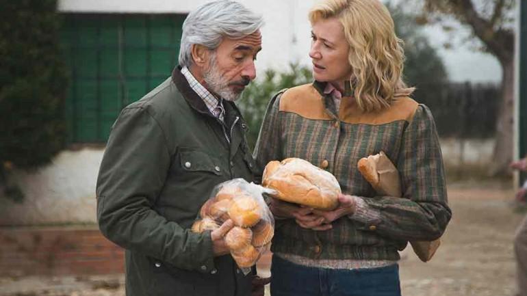 Imanol Arias y Ana Duato -Cuéntame cómo pasó - Temporada 20 - Capítulo 18 © RTVE