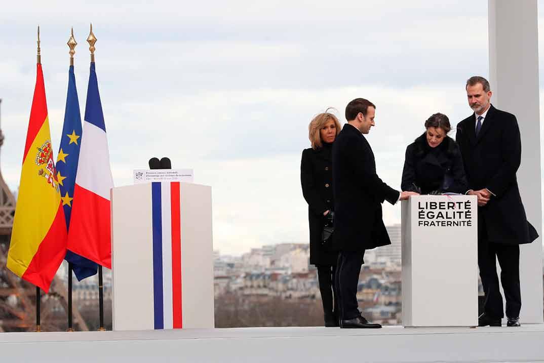 Los reyes Felipe y Letizia con Emmanuel Macron y su esposa Brigitte Macron - París © Casa S.M. El Rey
