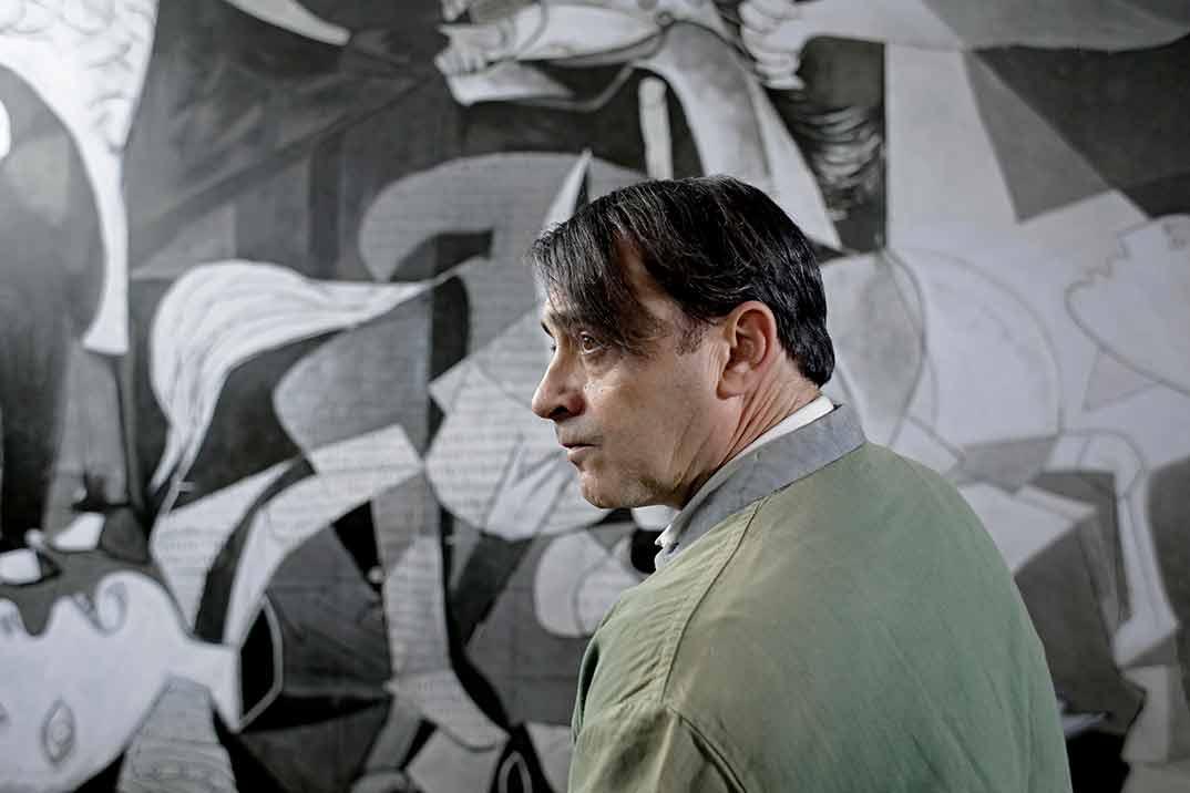 Zenet como Picasso - El Ministerio del Tiempo © RTVE