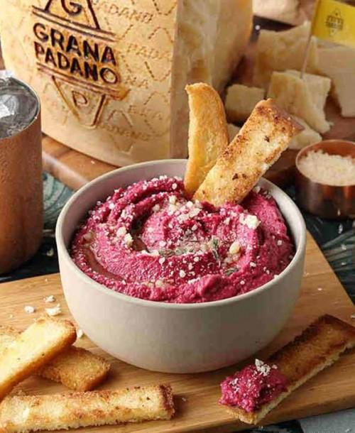 Receta de Hummus de remolacha y Grana Padano