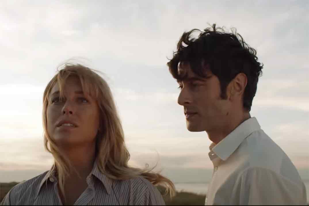 Primer tráiler de «El verano que vivimos» – La película donde nació el amor entre Blanca Suárez y Javier Rey