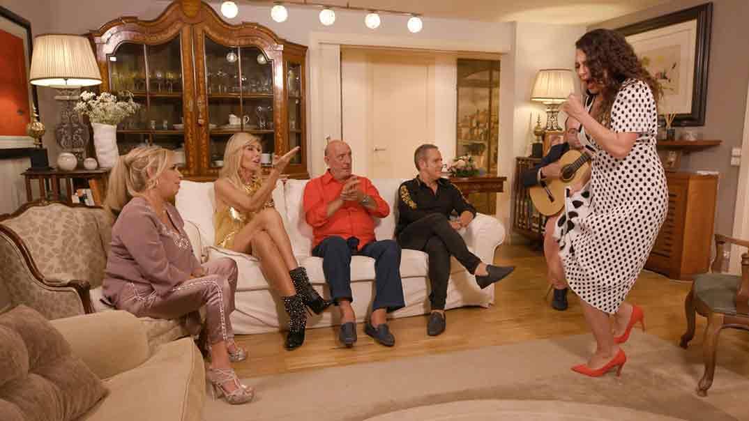 Carmen Borrego, Bibiana Fernández, Dioni y Víctor Sandoval - Ven a cenar conmigo. Gourmet Edition © Mediaset