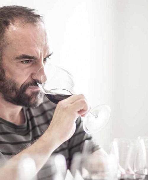 Catas de vino en directo con Sobremesa para sobrellevar el confinamiento