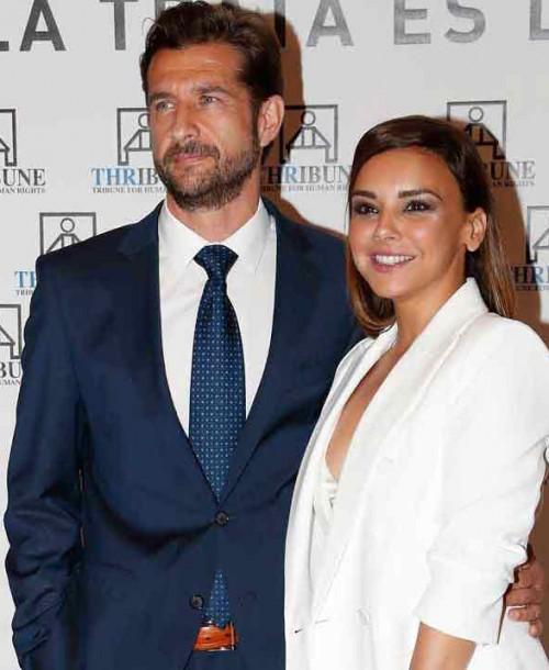 La boda de Chenoa y Miguel Sánchez Encinas «en pausa»