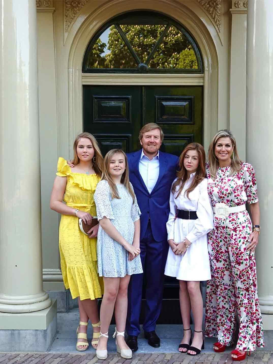 El rey Guillermo, la reina Máxima y sus tres hijas © koninklijkhuis/Instagram