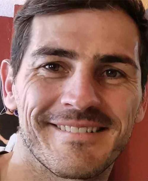 Iker Casillas recupera la sonrisa