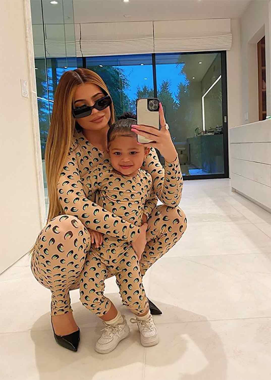 Kylie Jenner con su hija Stormi © Instagram