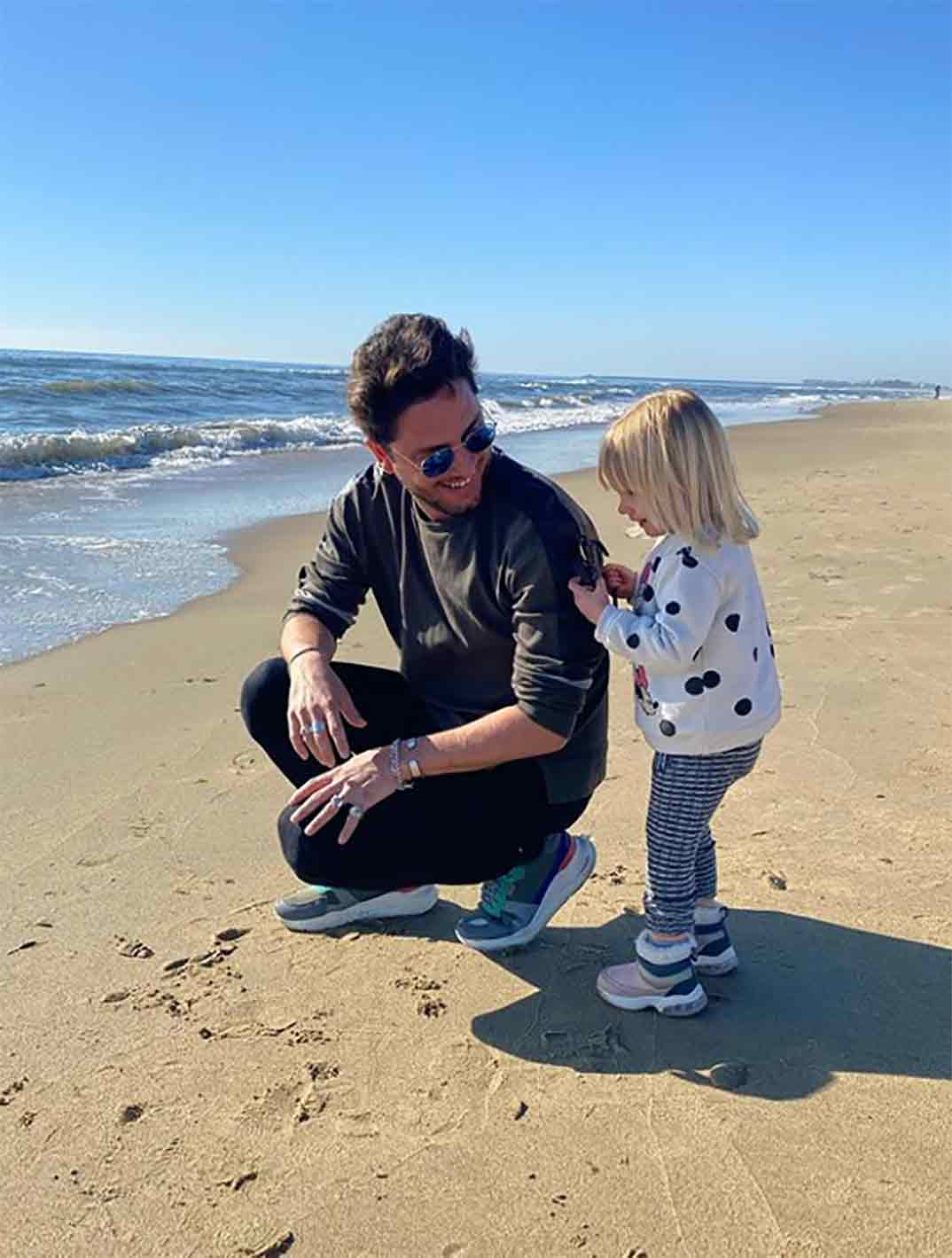 Manuel Carrasco con su hija Chloe © Instagram