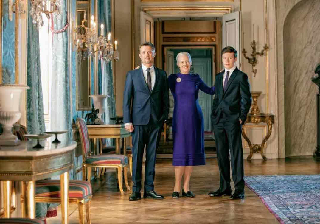 Reina Margarita de Dinamarca con el príncipe Federico y el príncipe Christian - foto: Per Morten Abrahamsen ©