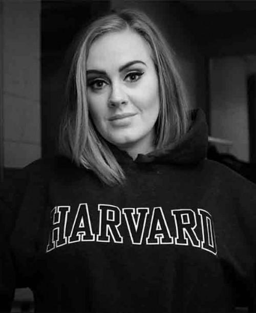 Adele celebra su 32 cumpleaños presumiendo de su sorprendente cambio físico