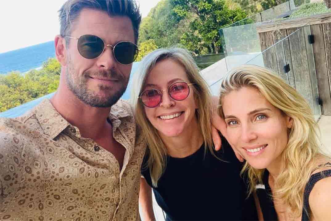Así han felicitado Chris y Liam Hemsworth a su mamá el Día de la Madre