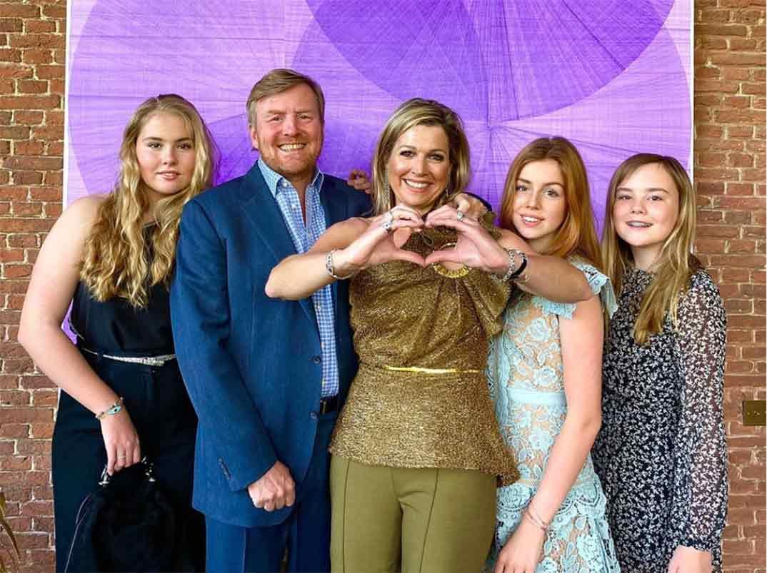 Los reyes Guillermo y Máxima de Holanda con sus tres hijas © koninklijkhuis/Instagram