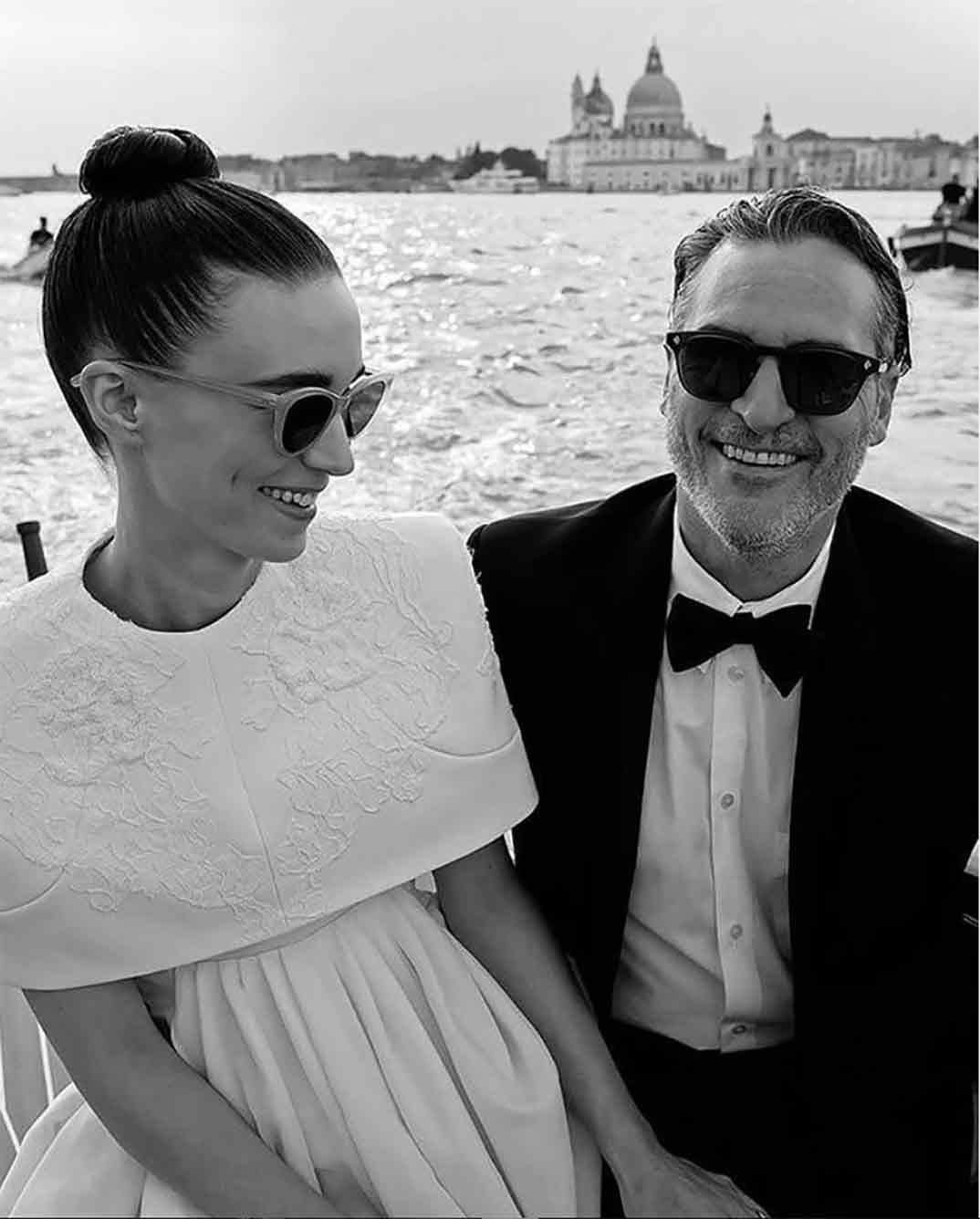 Rooney Mara y Joaquin Phoenix © Redes Sociales